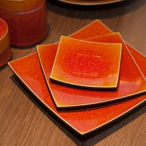 JARS SQUARE PLATE (ORANGE)